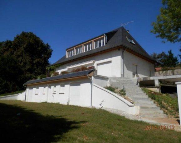 Maison L Etang La Ville 8 pièce(s) 240 m2