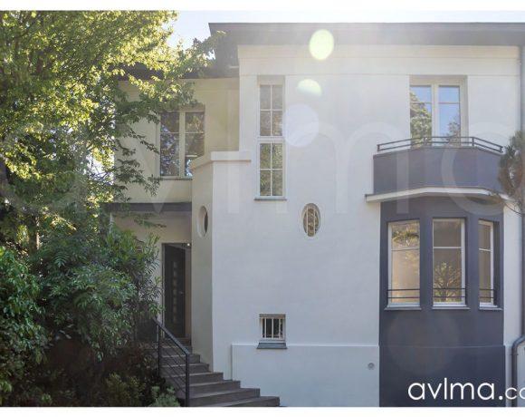 Maison La Celle Saint Cloud 5 pièce(s) 150 m2